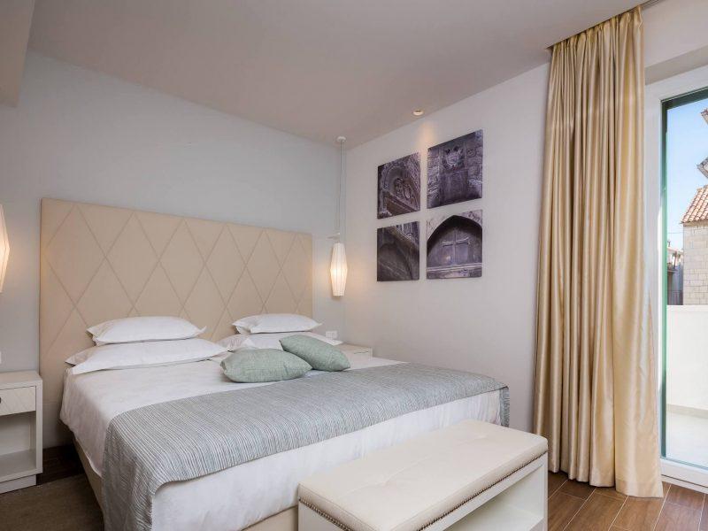 Room 104-3