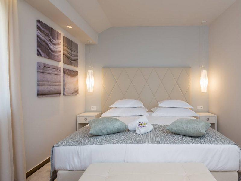 Room 105-3